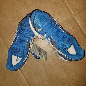 Asics Gel 190TR Training Sneakers